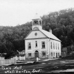The Dysart Town Hall was erected in 1897 by contractor W. MacLeod to replace the previous town hall, known as the Lucas Hall, which had burned down in 1895. This building is still the home of the Municipal Offices of Dysart et al. to this day.